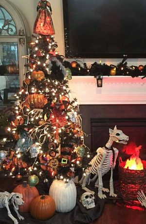 ever look around your house during the holidays and think i really miss my halloween decorations if only i could celebrate halloween and christmas at the - Halloween Christmas Decorations