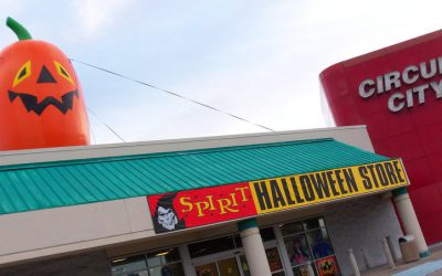 "Halloween Pop-Up Stores – Real Estate ""Re-Animators"""