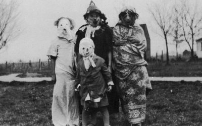 But Where are the Sexy Nurses? 25 Creepy Old-Timey Halloween Costume Photos